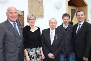 v.l.: Gundolf Fleischer, Landrätin Dorothea Störr-Ritter, Rolf Luxemburger, Moritz Milatz und Bürgermeister Volker Kieber